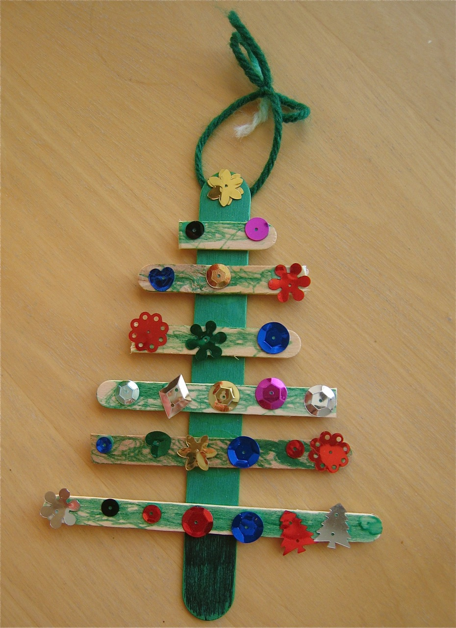 Christmas tree craft preschool elementary holiday craft for Holiday project