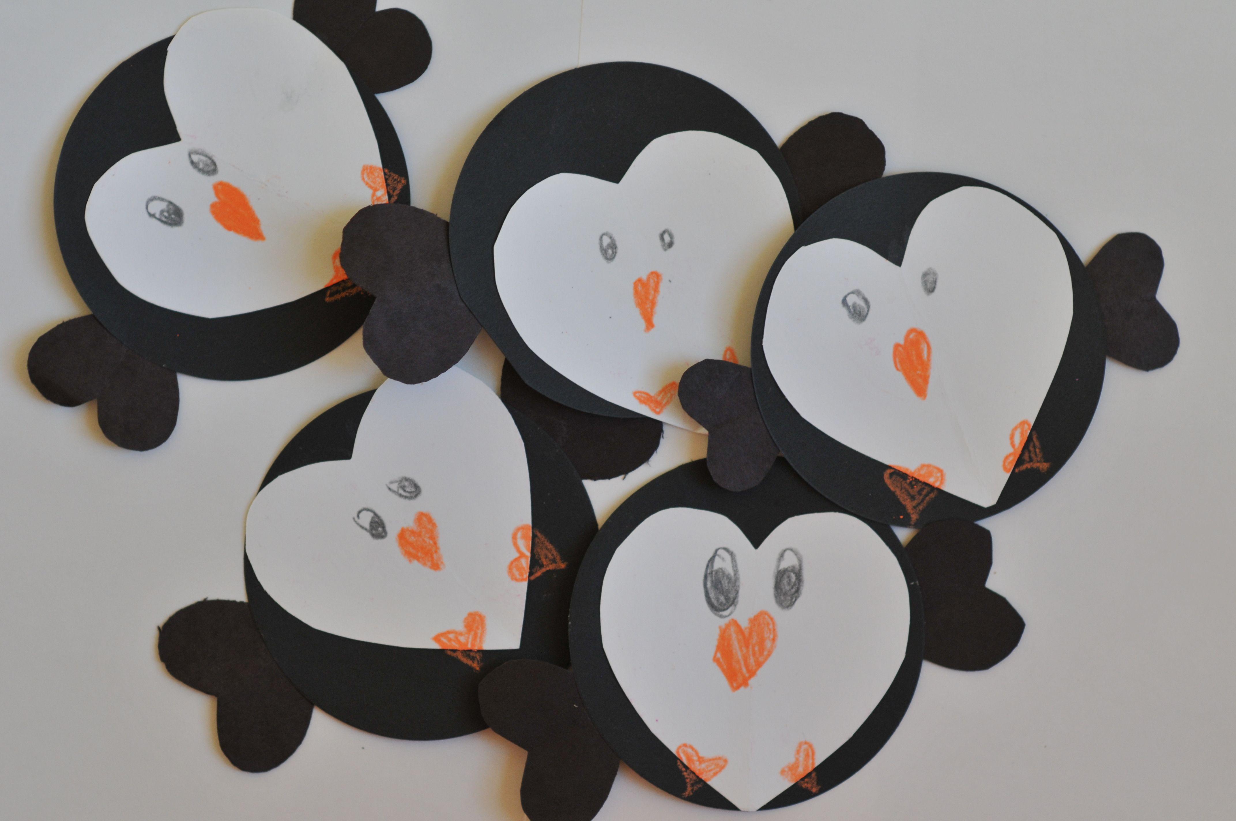 Kids penguin craft mommyapolis for Penguin christmas cards homemade