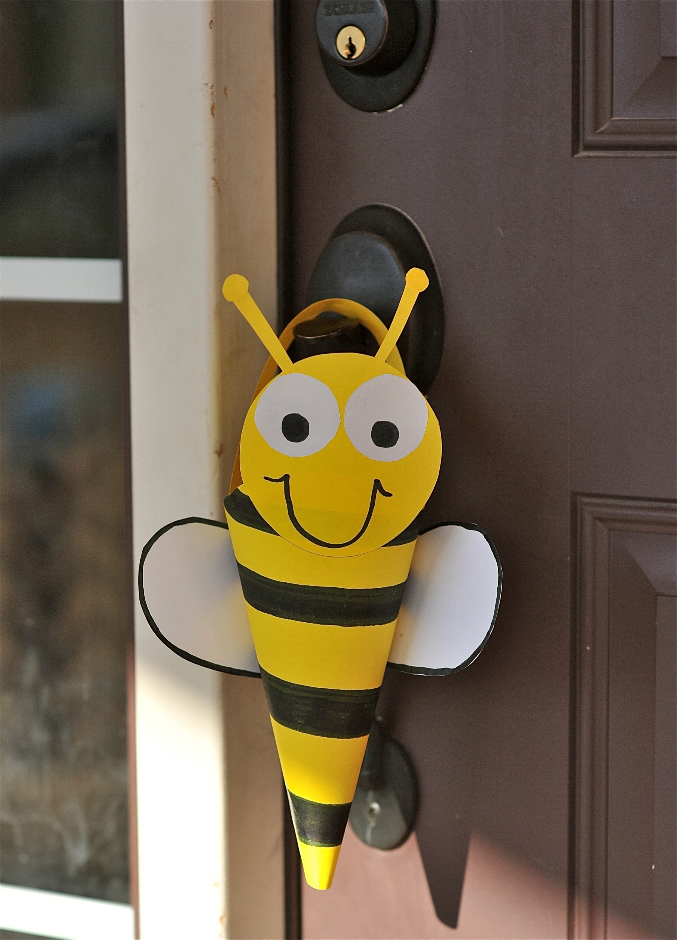 Craft bumble bee - Advertisements