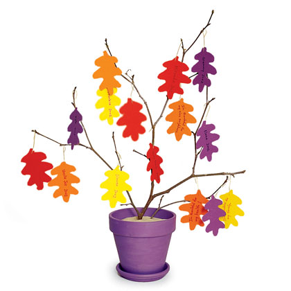thankful-tree-thanksgiving-craft-photo-420-FF1102TABLEA09